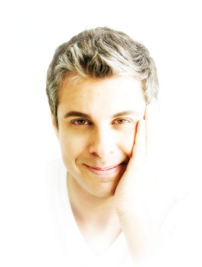 """Julio Bevione -destacado escritor argentino- dictará en Caracas su taller """"""""Estás en Crisis"""" el próximo sábado 11 de julio"""