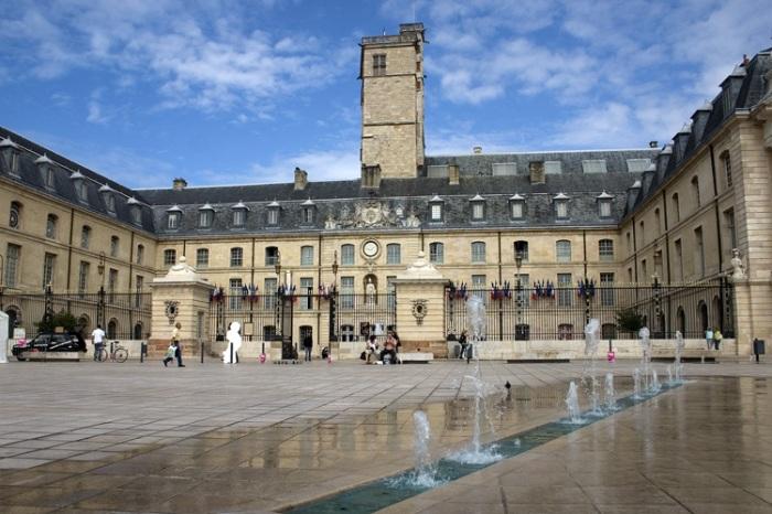 En Dijon, toman al pie de la letra la enseñanza de Jesús sobre la fe y la semilla de mostaza...