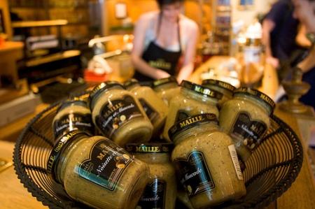 La famosa mostaza de Dijon puede hallarse en los mejores supermercados del planeta