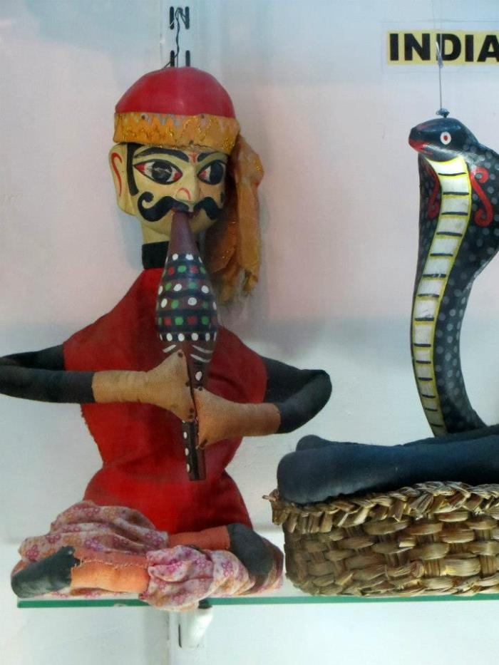 Marioneta de Hilo, encantador de serpientes INDIA